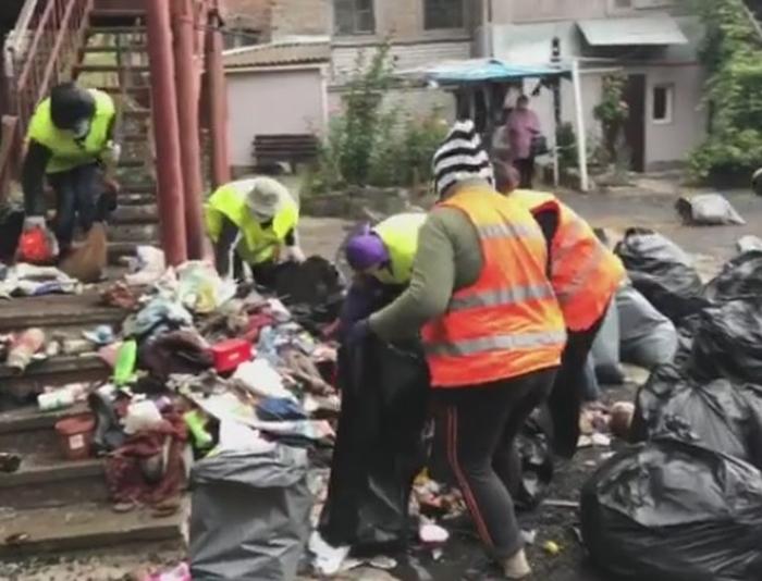 сміття з квартири