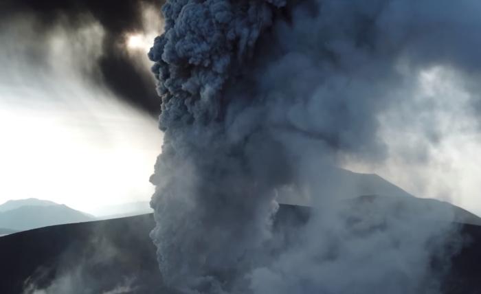виверження вулкана Сіммое