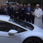Lamborghini Huracan папа римський