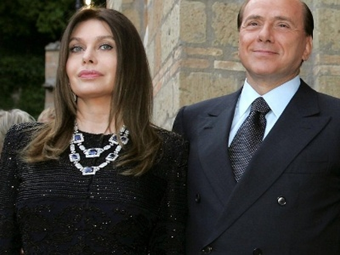 Сільвіо Берлусконі Вероніка Ларіо