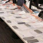 злодій вкрав 53 смартфони