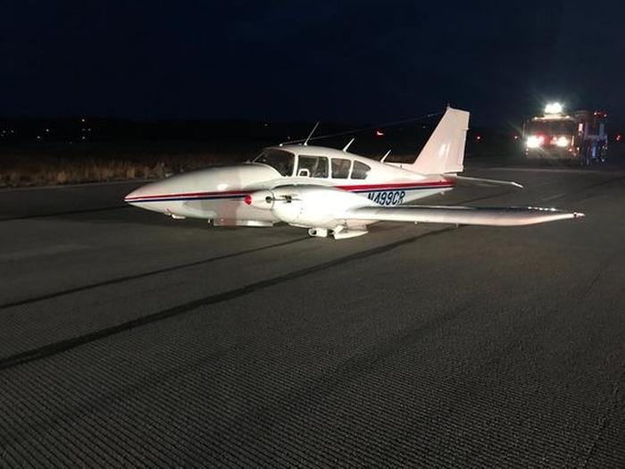 літак без шасі здійснив жорстку посадку