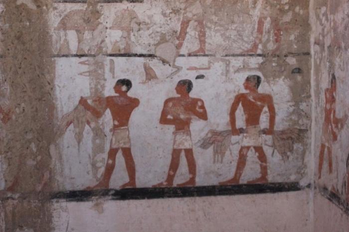 гробниця віком 4,4 тис років