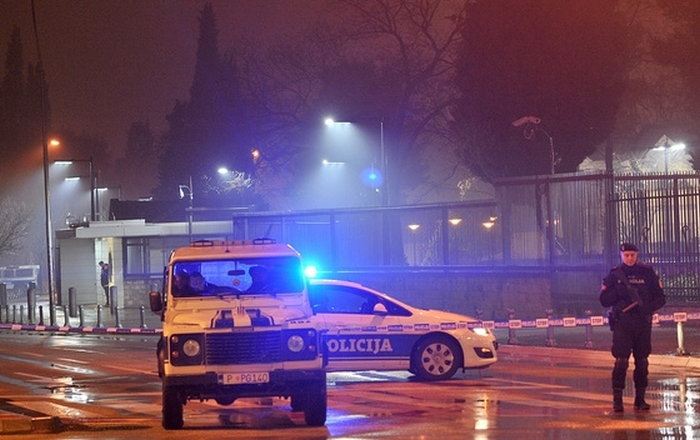 смертник підірвав себе біля посольства