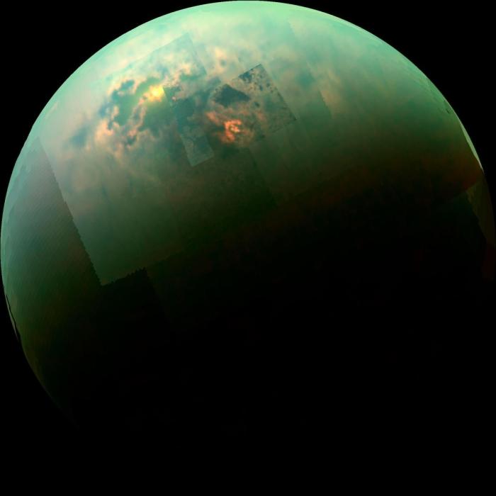 супутник титан