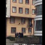 впіймали немовля, яке падало з вікна
