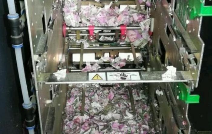 Упс... В Індії миші згризли в банкоматі понад мільйон рупій