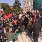Албанія штурм Кабміну