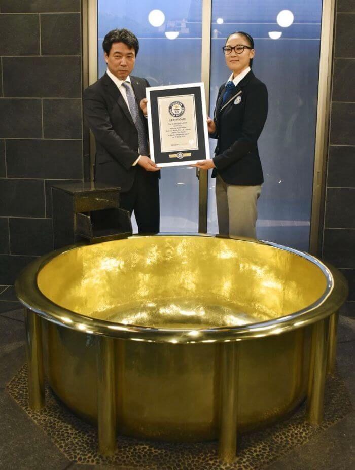 найбільша в світі ванна з чистого золота