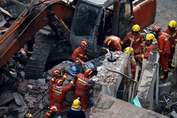 рятувальні роботи після обвалення будівлі