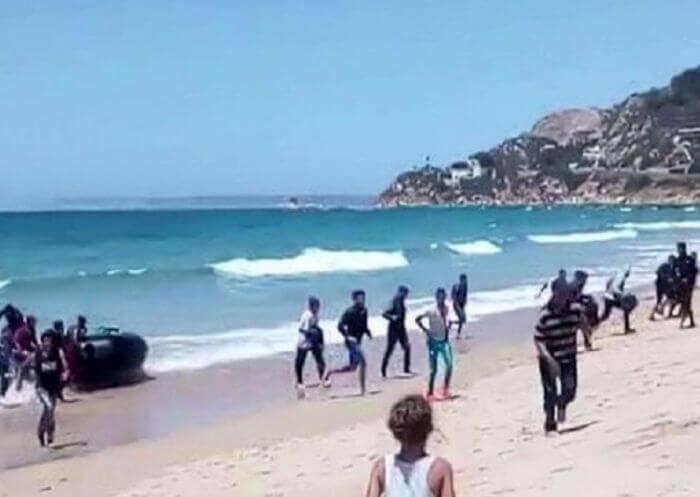 судно висадило на Сицилії біженців